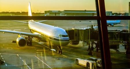 havaalani_ucak.jpg